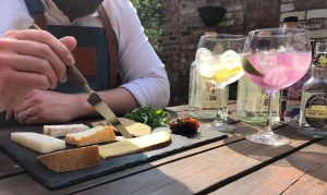 Gin and Cheese – A Summertime Match Made in Heaven