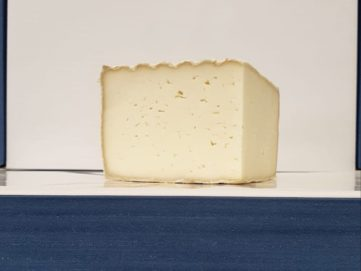 Tomme de Luzac Cheese