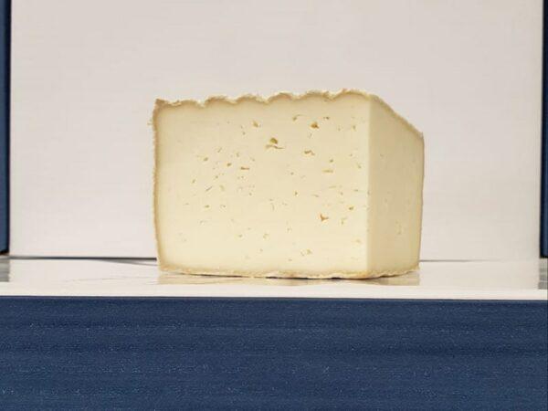 Tomme de Luzac Cheese