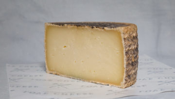 Manchego Semi-Curado Cheese 6 Month