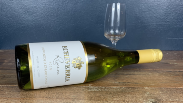 Echeverria Unwooded Chardonnay White Wine