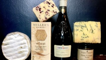 Love Cheese loves Mums: Cheese and Fizz Selection for One